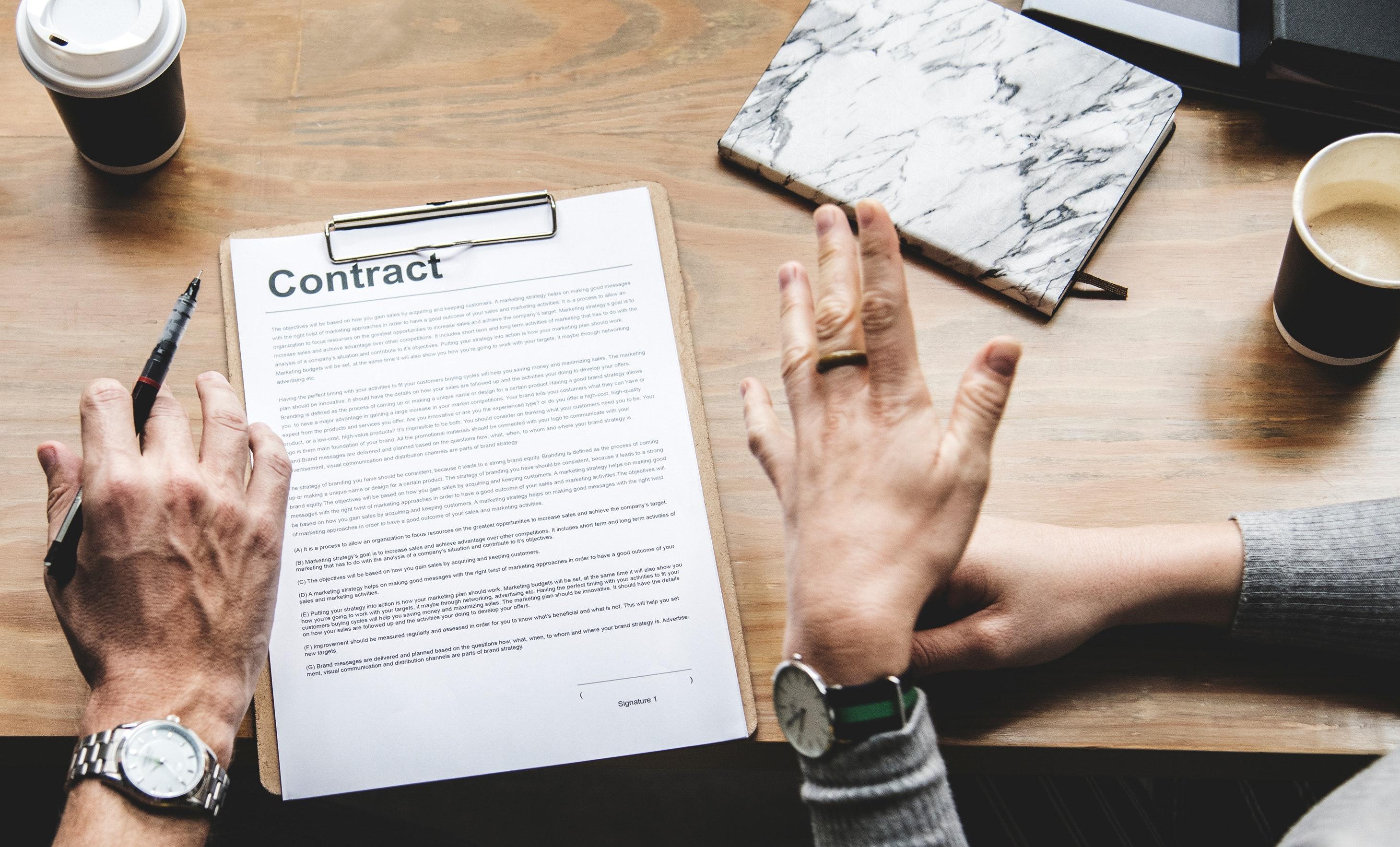 Een arbeidscontract voor uw eerste werknemer, hoe doet u dat?